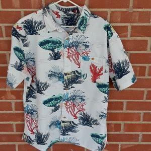 ⭐BOGO FREE! Tropical fish button down shirt size L